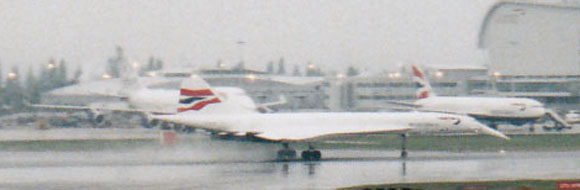 Concorde landing at Heathrow, April 2003