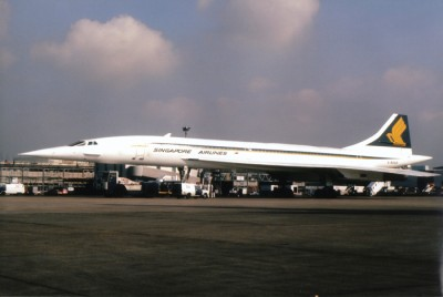 Concorde G-BOAD in Singapore Airlines livery